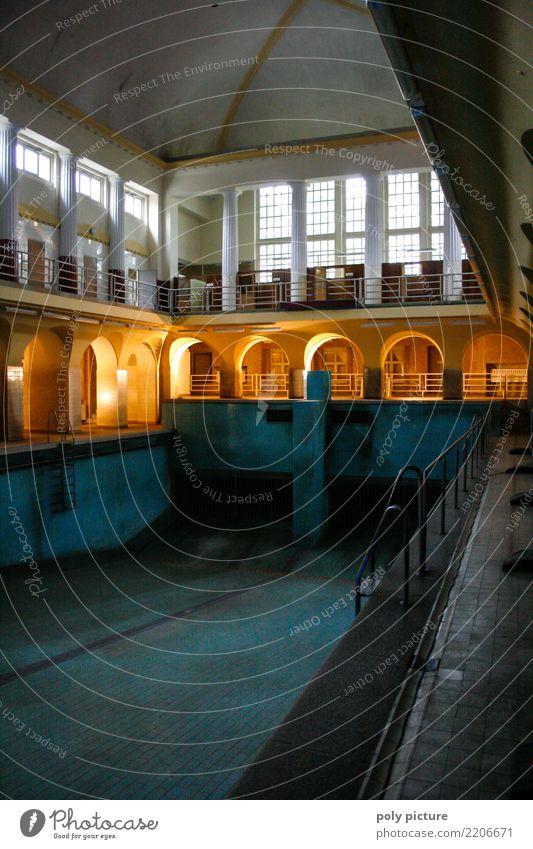Historisches Stadtbad Leipzig Wellness Wassersport Kultur Stadtzentrum Fenster Sehenswürdigkeit Denkmal Schwimmbad alt Schwimmen & Baden leuchten kalt nass blau