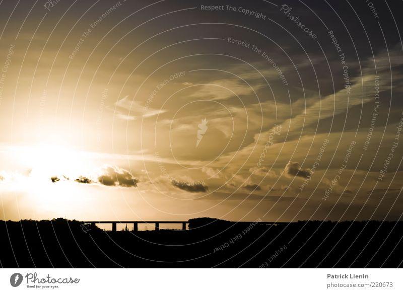 Autobahn schön Sonne Ferne Straße dunkel träumen Wärme Landschaft Luft Wetter Umwelt Brücke fahren Sehnsucht genießen