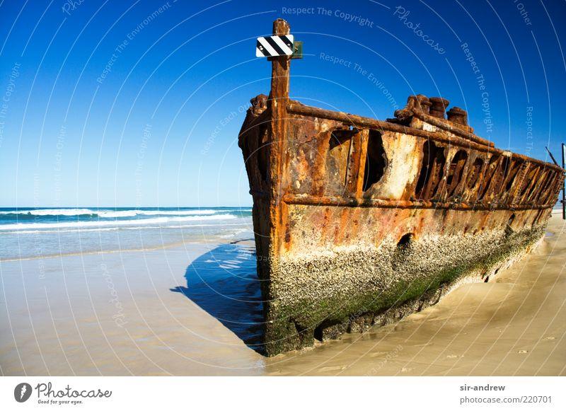 abgewrackt... (Teil 2) alt Meer Strand Küste Insel kaputt Australien Vergänglichkeit verfallen Verfall Rost Schifffahrt Schönes Wetter Wasserfahrzeug Rest Blauer Himmel