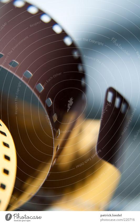 Fotos zum Anfassen braun Fotografie retro Technik & Technologie Filmindustrie analog Nostalgie Medien Anschnitt Bildausschnitt veraltet Fototechnik Perforierung