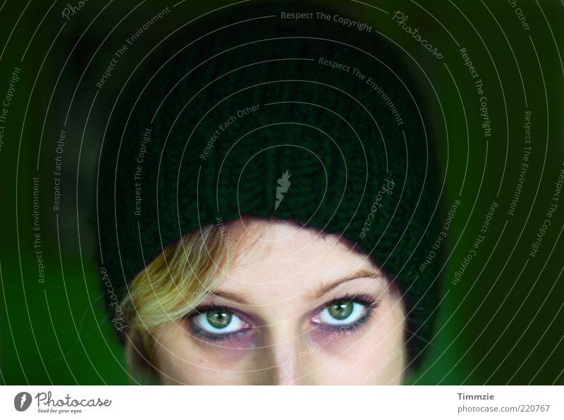 grün ist das neue whatever Mensch Jugendliche schön Auge Farbe feminin Stil blond Erwachsene Design Hoffnung Coolness Mut Leidenschaft Mütze