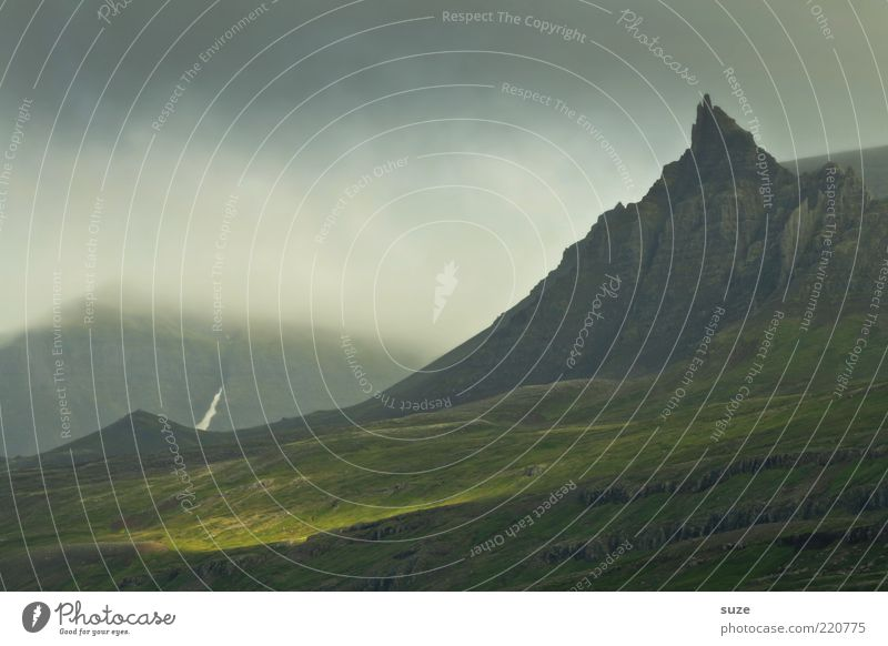 Unforgiven Natur Ferien & Urlaub & Reisen Pflanze schön Landschaft Wolken dunkel Reisefotografie Berge u. Gebirge Umwelt Wetter Nebel leuchten Klima Urelemente