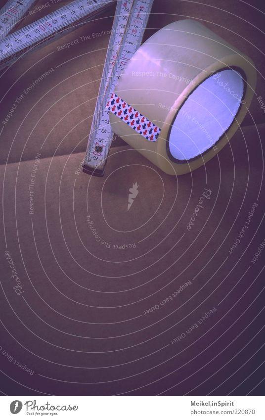 Ein bisschen Klebeband und das hält Arbeit & Erwerbstätigkeit Karton Rolle Messinstrument Maßeinheit Papier Zollstock Millimeter Zentimeter maßstabsgerecht