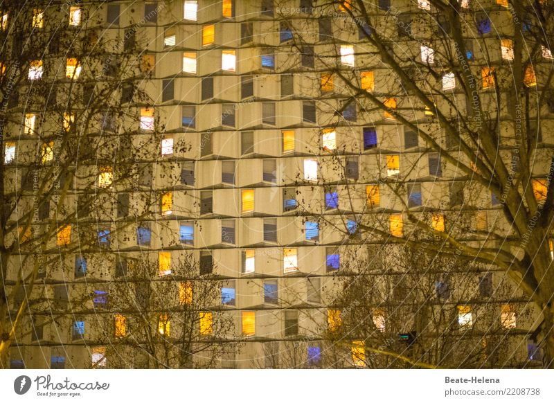Tschingderassabumm   Partystimmung auf allen Ebenen schön Fenster Lifestyle Leben Feste & Feiern außergewöhnlich Fassade Häusliches Leben Wohnung leuchten