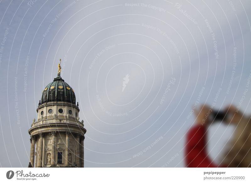 focus Mensch Himmel Ferien & Urlaub & Reisen Sommer Stein Ausflug Tourismus Turm Dach Bauwerk Fotokamera Schönes Wetter Dom Hauptstadt Sommerurlaub Sehenswürdigkeit