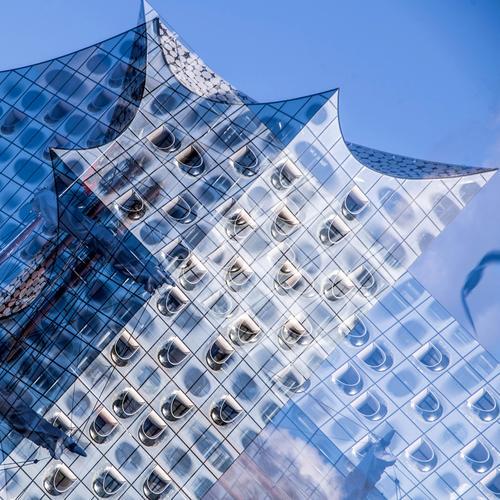 viel Harmonie Himmel blau schön weiß Fenster Architektur Gebäude Kunst außergewöhnlich Fassade modern ästhetisch Musik Kreativität Erfolg Kultur
