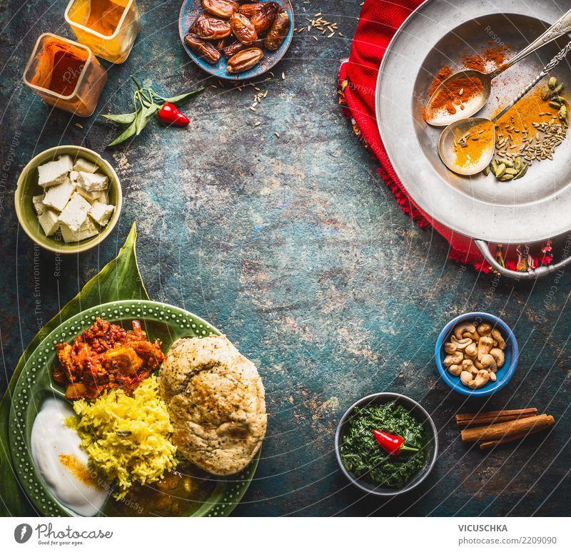 Hintergrund mit Indischen Speisen Lebensmittel Ernährung Mittagessen Abendessen Bioprodukte Vegetarische Ernährung Diät Asiatische Küche Geschirr Teller