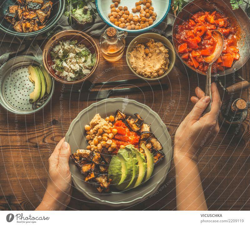 Vegetarische Mahlzeit Lebensmittel Gemüse Salat Salatbeilage Ernährung Mittagessen Bioprodukte Vegetarische Ernährung Diät Geschirr Teller Schalen & Schüsseln