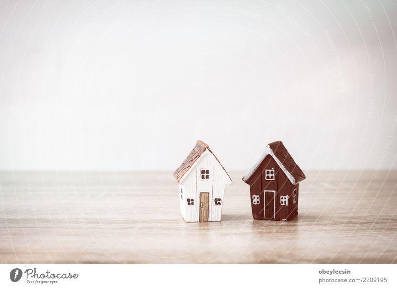 Gute Zusammenarbeit der Wohnungsfirma, Wohnungsunternehmenkonzept Mann Hand Erwachsene Holz Gebäude Business Arbeit & Erwerbstätigkeit Büro Erfolg Tisch Geld
