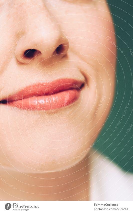Doctor 08 Frau Mensch Jugendliche Junge Frau weiß 18-30 Jahre Gesicht Erwachsene feminin Arbeit & Erwerbstätigkeit Lächeln Nase Freundlichkeit Beruf zart Lippen