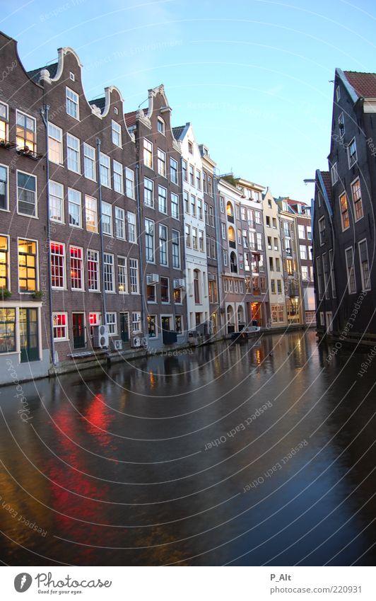 amsterdam Himmel Wasser Stadt Haus Wand Stil Architektur Mauer Gebäude Fassade Häusliches Leben Fluss Dach leuchten beobachten