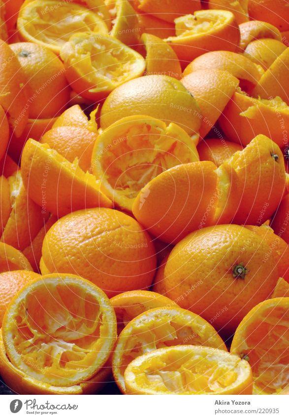 Vitamin C +++ Lebensmittel Frucht Orange Ernährung Bioprodukte Vegetarische Ernährung liegen exotisch kaputt saftig gelb Gesunde Ernährung vitaminreich leer