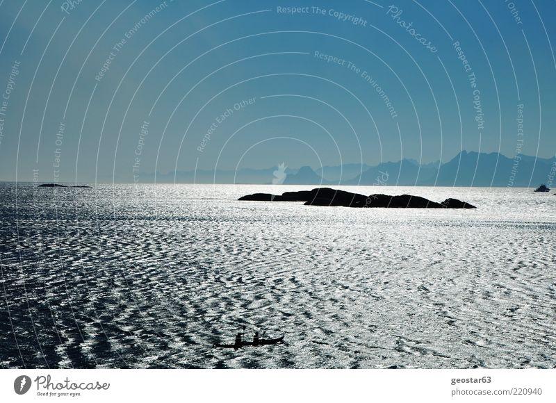 Meer bei den Lofoten, Norwegen Landschaft Wasser Wolkenloser Himmel Sonnenlicht Sommer Schönes Wetter Insel einzigartig Ferien & Urlaub & Reisen Tourismus Ferne