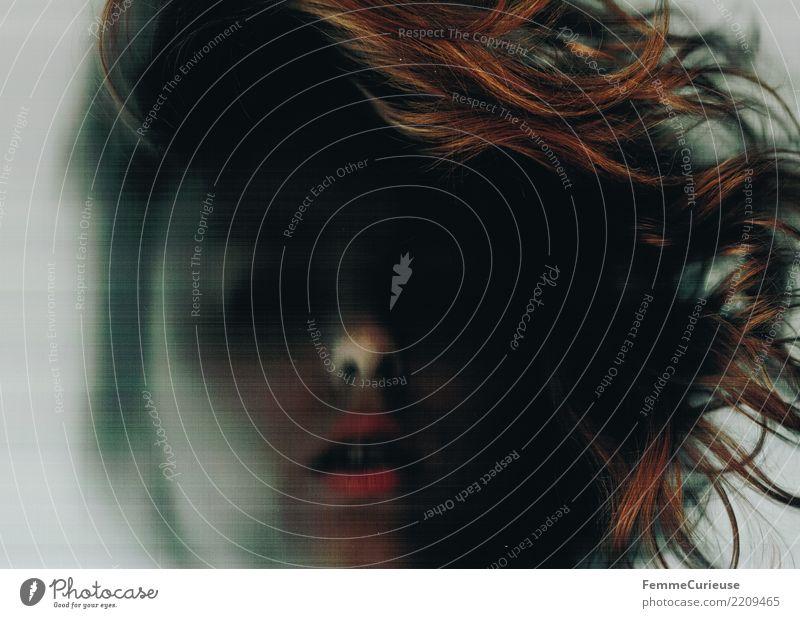 Dark 03 Frau Mensch Jugendliche Junge Frau dunkel 18-30 Jahre Erwachsene Traurigkeit feminin Haare & Frisuren Wandel & Veränderung gruselig Irritation