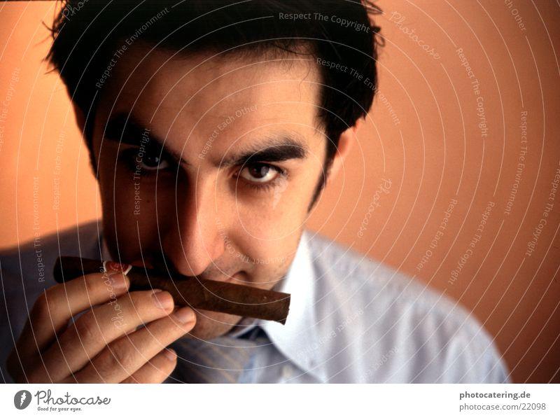 Zigarre Mann Auge lachen orange Erfolg Ziel Ladengeschäft Kuba Krawatte