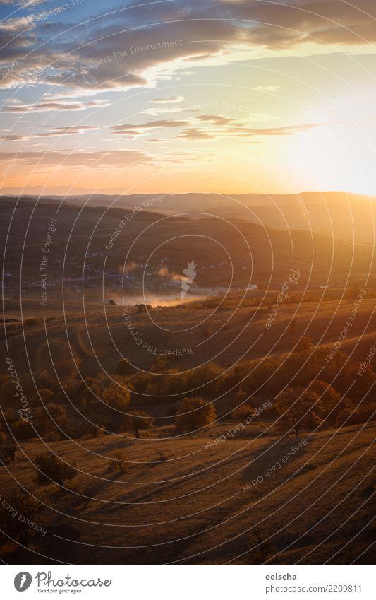 Sonnenuntergang Natur Landschaft Himmel Wolken Sonnenaufgang Frühling Sommer Herbst Schönes Wetter Baum Wiese Feld Wald Hügel Freundlichkeit Unendlichkeit
