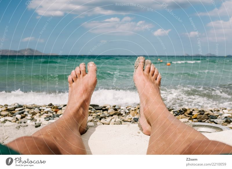 so lässt es sich aushalten Natur Ferien & Urlaub & Reisen Jugendliche Sommer Junger Mann Landschaft Meer Erholung ruhig Strand 18-30 Jahre Erwachsene Beine