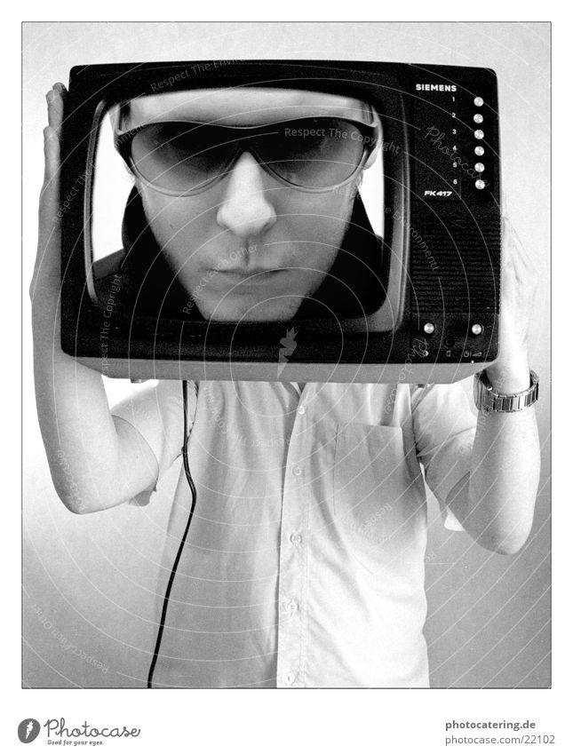 TV Mann Brille Siebziger Jahre Fernsehen Coolness Siemens Schwarzweißfoto
