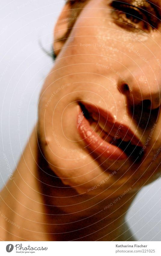 #221025 schön Haut Gesicht Mensch feminin Frau Erwachsene Auge Nase Mund Lippen 30-45 Jahre nass braun rot Porträt schwitzend Lippenstift geschminkt tropfend