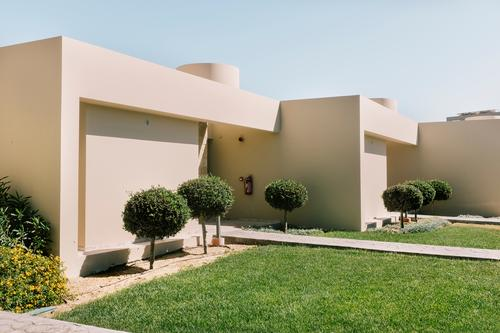 minimalism Ferien & Urlaub & Reisen blau Sommer Stadt Farbe grün Baum Haus Architektur Wiese Gebäude Design Häusliches Leben modern elegant ästhetisch