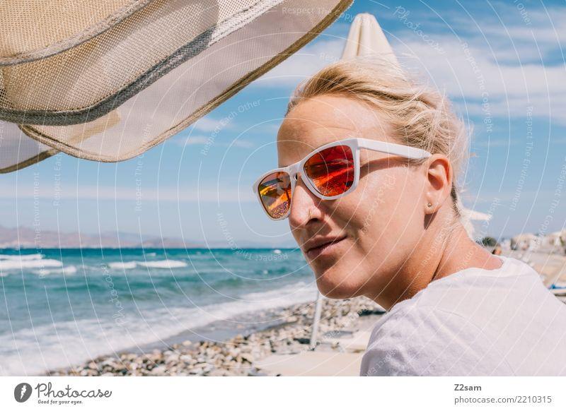 yeah!!! Lifestyle elegant Stil Ferien & Urlaub & Reisen Sommerurlaub Meer feminin Junge Frau Jugendliche 18-30 Jahre Erwachsene Natur Landschaft Sand Sonne