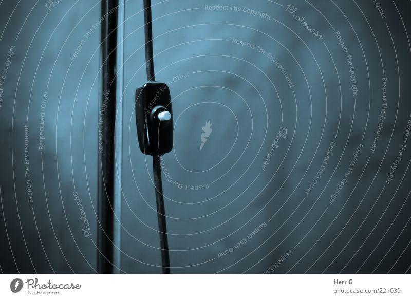 alter Lichtschalter weiß schwarz Lampe Technik & Technologie Kabel einzigartig Kunststoff gebrauchen ausschalten aktivieren Stehlampe