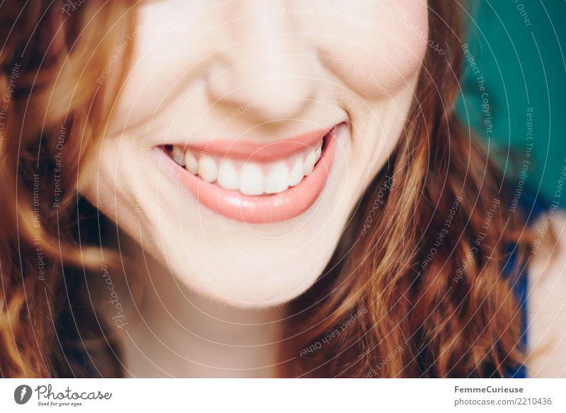 Curly hair 03 feminin Junge Frau Jugendliche Erwachsene 1 Mensch 18-30 Jahre 30-45 Jahre schön Zähne weiß strahlend attraktiv Gesicht Lippen Kinn Locken