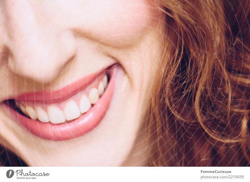 Curly hair 05 feminin Junge Frau Jugendliche Erwachsene 1 Mensch 18-30 Jahre 30-45 Jahre schön Zähne weiß gepflegt Locken rothaarig Lippenstift attraktiv