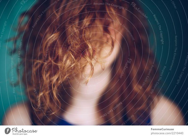 Curly hair 02 elegant Stil feminin Junge Frau Jugendliche Erwachsene 1 Mensch 18-30 Jahre 30-45 Jahre schön Haare & Frisuren Locken rothaarig türkis lockig
