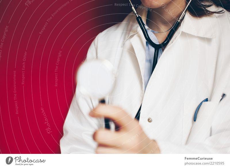 Doctor 12 Frau Mensch Jugendliche Junge Frau rot 18-30 Jahre Erwachsene feminin Arbeit & Erwerbstätigkeit Beruf hören Medikament Arzt Krankenhaus kompetent