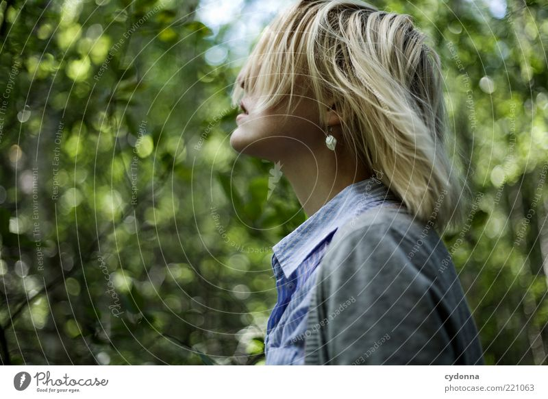 Wind kommt auf Lifestyle elegant Stil schön Leben Wohlgefühl Zufriedenheit Erholung ruhig Mensch Junge Frau Jugendliche Haare & Frisuren 18-30 Jahre Erwachsene