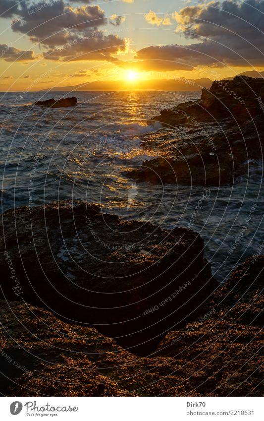 Cretan Sunrise Himmel Natur Ferien & Urlaub & Reisen Sonne Landschaft Meer Einsamkeit Wolken Ferne Berge u. Gebirge Küste Freiheit Felsen wild Wellen Wind