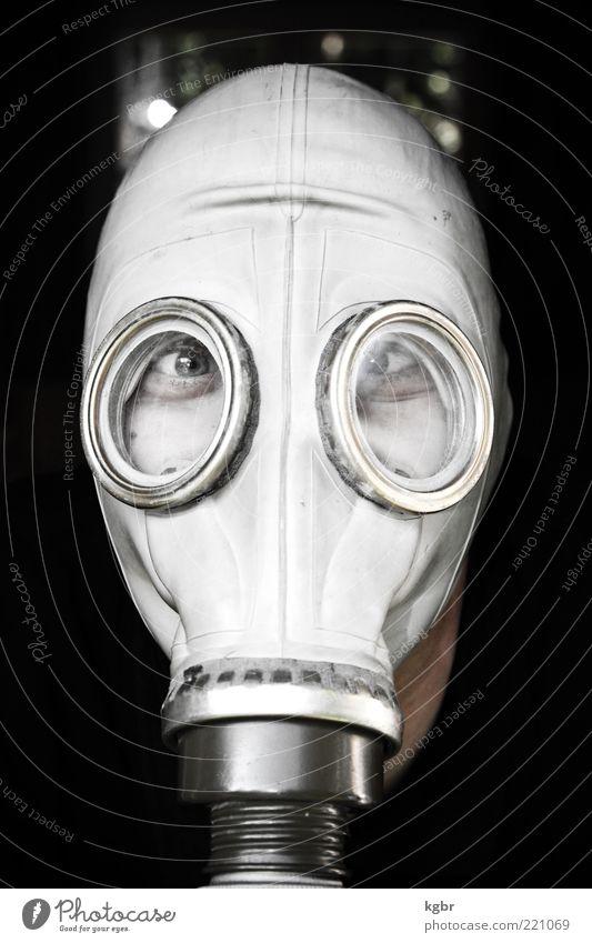 gasmaskiert Mensch Gesicht Auge Kopf Angst Glas Sicherheit gefährlich Schutz Maske außergewöhnlich bizarr Surrealismus hässlich Gummi Filter