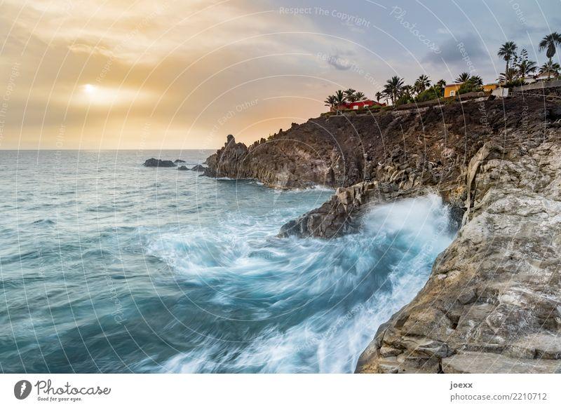 Unten hui Ferien & Urlaub & Reisen Meer Insel Wellen Wasser Himmel Wolken Sommer Schönes Wetter Felsen Küste La Palma maritim wild Fernweh Horizont Farbfoto