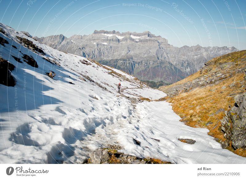 Wanderwetter VI Frau Mensch Natur Pflanze Landschaft Tier Berge u. Gebirge Erwachsene Umwelt Herbst feminin Bewegung Sport Gras Felsen Horizont