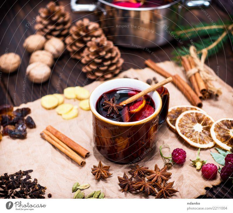 alkoholischer Glühwein Kräuter & Gewürze Getränk Alkohol Topf Pfanne Papier Holz heiß oben retro braun Speise süß trinken Feiertag Anis Tasse Ingwer festlich