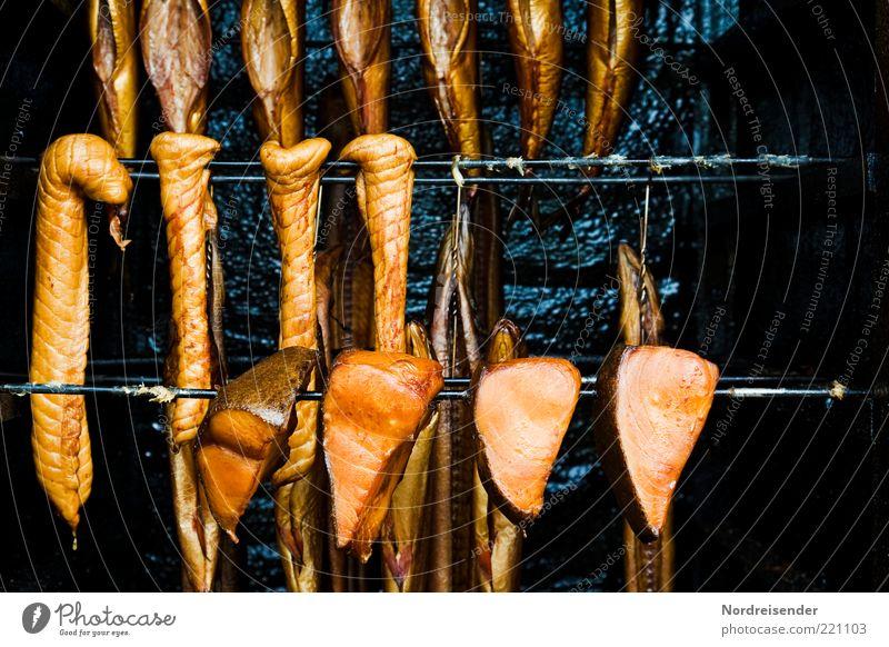 Freitag... Lebensmittel gold Fisch Appetit & Hunger lecker Duft Fett aufhängen Meeresfrüchte salzig konserviert geräuchert Räucherfisch aufgespiesst Heilbutt