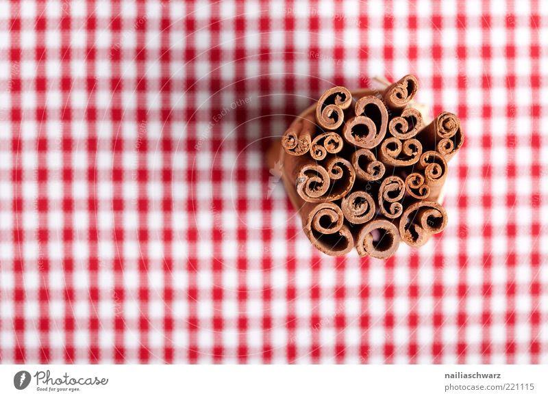 Zimt Lebensmittel Kräuter & Gewürze Ernährung ästhetisch braun rot weiß Farbfoto mehrfarbig Studioaufnahme Nahaufnahme Detailaufnahme Menschenleer