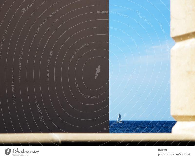 He's a bad sailor. Himmel blau Wasser Ferien & Urlaub & Reisen Meer Sommer ruhig Ferne gelb Wand Freiheit Architektur Glück Mauer Horizont Freizeit & Hobby