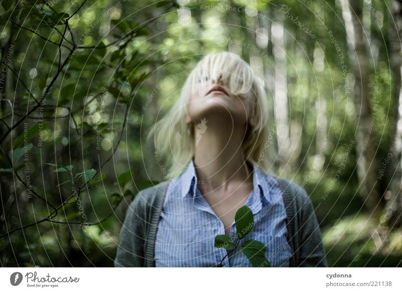 Strecken Lifestyle elegant Stil schön Haare & Frisuren Leben Wohlgefühl Zufriedenheit ruhig Mensch Junge Frau Jugendliche Hals 18-30 Jahre Erwachsene Umwelt