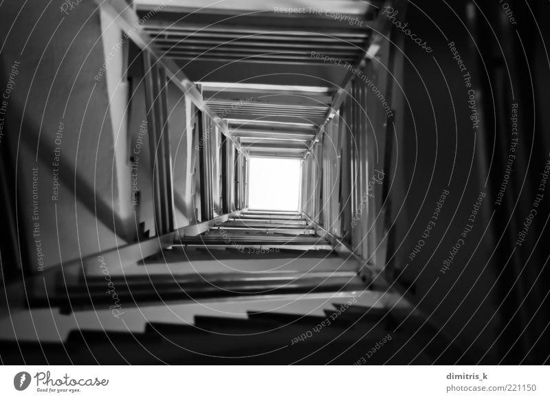 weiß schwarz dunkel Architektur Gebäude Hintergrundbild hoch Beton Platz Treppe Perspektive lang Treppenhaus Spirale Nachthimmel Höhe