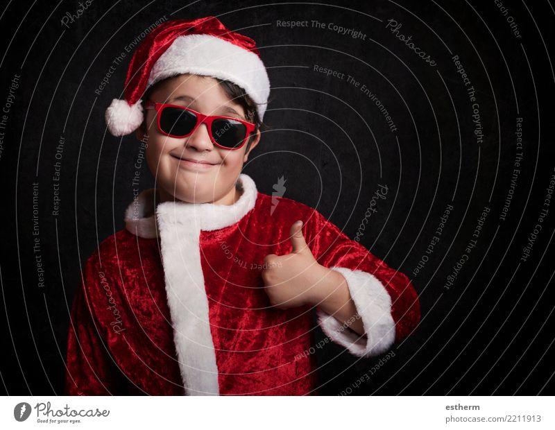 lustiger Junge mit Sonnenbrille auf Weihnachten Kind Mensch Ferien & Urlaub & Reisen Weihnachten & Advent Freude Lifestyle Gefühle lachen Feste & Feiern Party