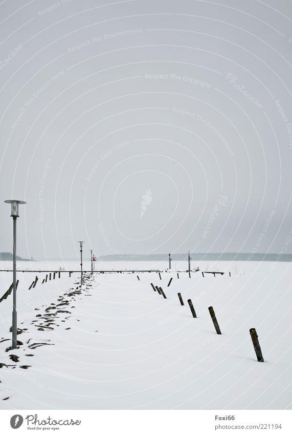 Eissteg Natur Wasser weiß Winter ruhig schwarz kalt Schnee Holz grau Stein See Eis Wind nass Horizont