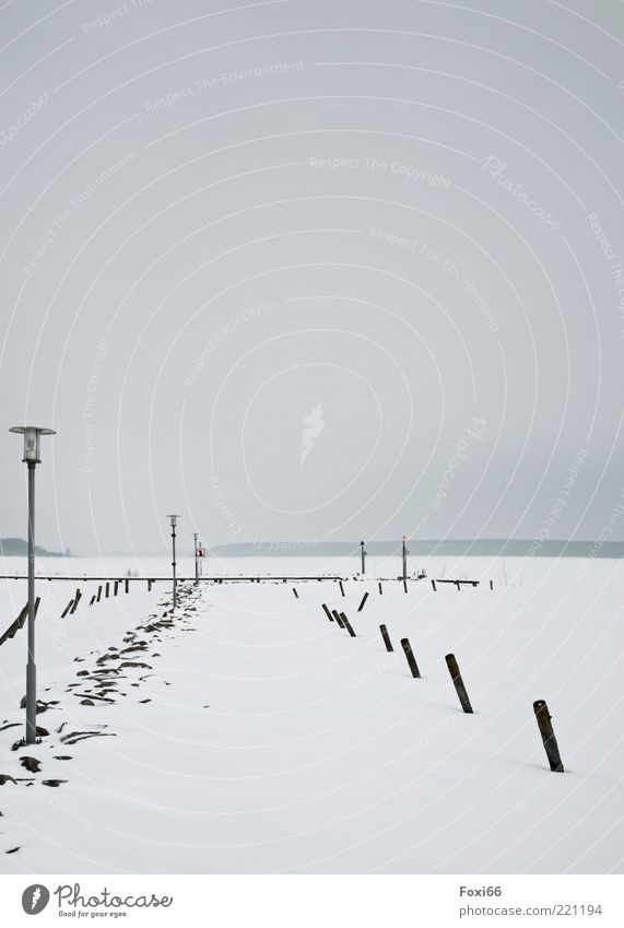 Eissteg Natur Wasser weiß Winter ruhig schwarz kalt Schnee Holz grau Stein See Wind nass Horizont