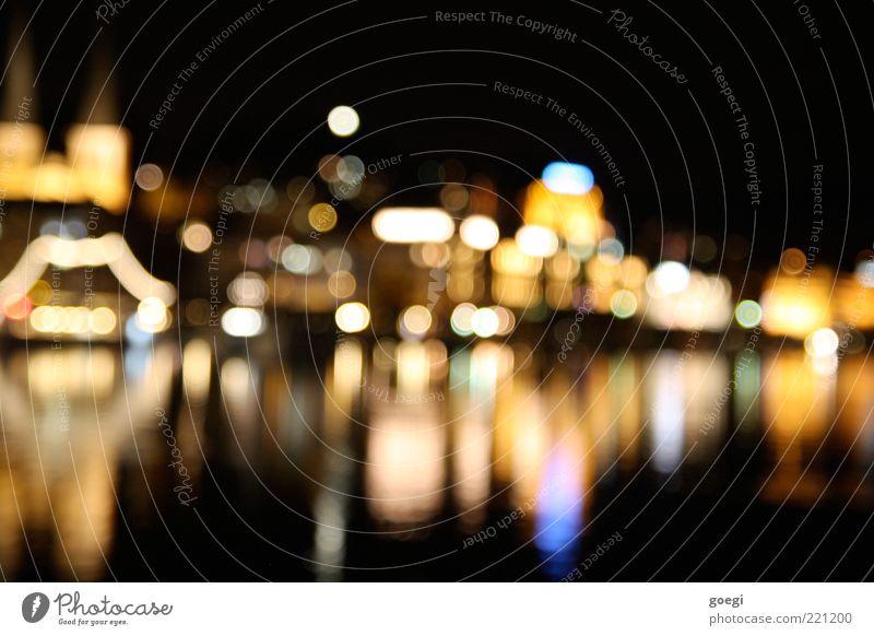 Lucerne by night Stadt See Europa Schweiz Skyline Stadtzentrum Sehenswürdigkeit Altstadt Unschärfe Luzern Wasserspiegelung Stadtlicht Vierwaldstätter See