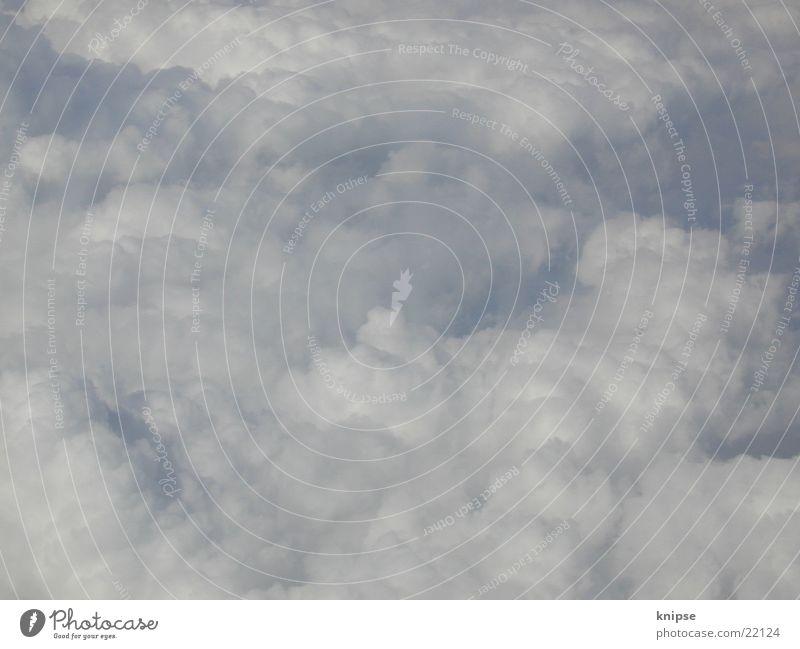 auch noch über den wolken... Wolken Flugzeug unterwegs Himmel blau fliegen