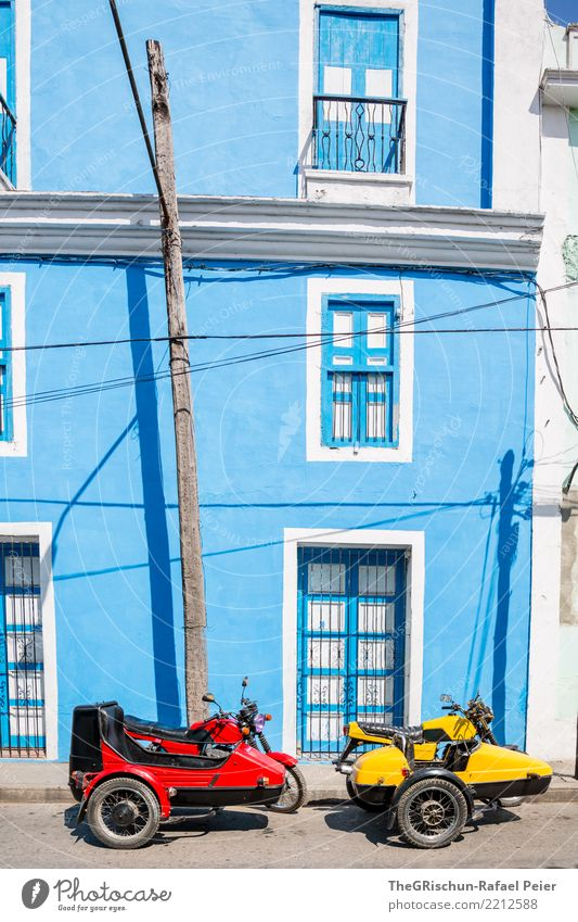 RGB (rot, gelb:-), blau) Dorf Haus Mauer Wand Fassade Fenster Tür fahren Fröhlichkeit Oldtimer Motorrad seitenwagen i'm blue daba di da bada Kuba mehrfarbig