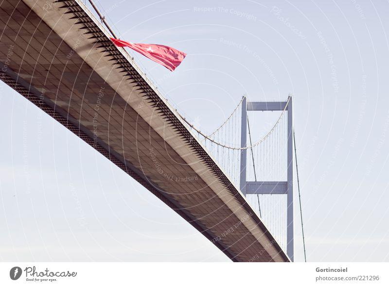 Eurasien Brücke Bauwerk Architektur Sehenswürdigkeit groß Fahne Istanbul Türkei Bosporus-Brücke Bogaz Köprüsü Europa Asien Verbindung Brückenpfeiler Hängebrücke