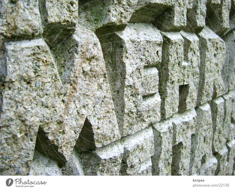 MEHR Stein Kunst Felsen Schriftzeichen Buchstaben Wort Souvenir
