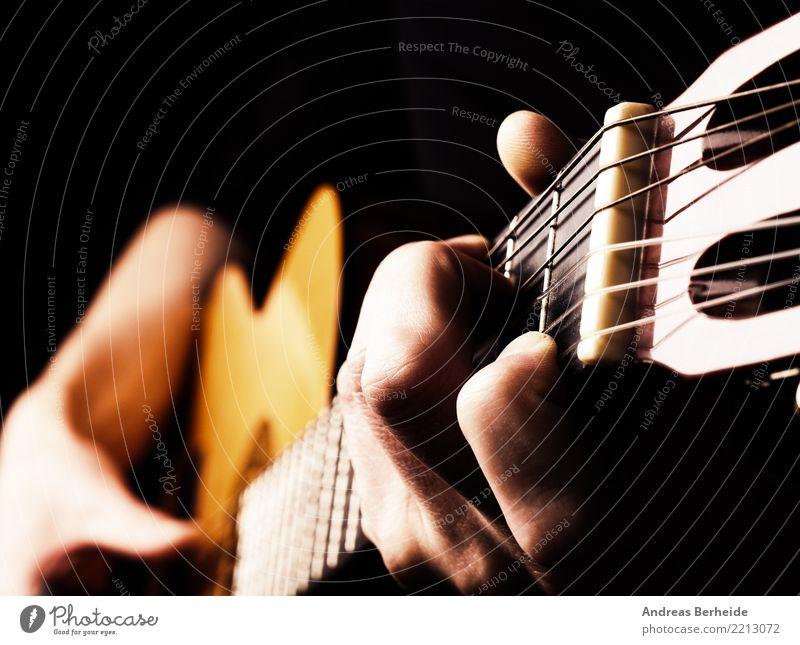 Musizieren Stil Musik Feste & Feiern maskulin Mann Erwachsene Hand Finger Künstler Gitarre lernen Liebe Gefühle guitar Flamencotänzer player Blues Jazz